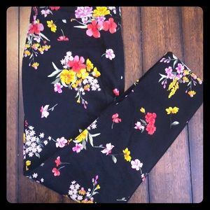 Old Navy Floral Pixie Pants Ankle Length